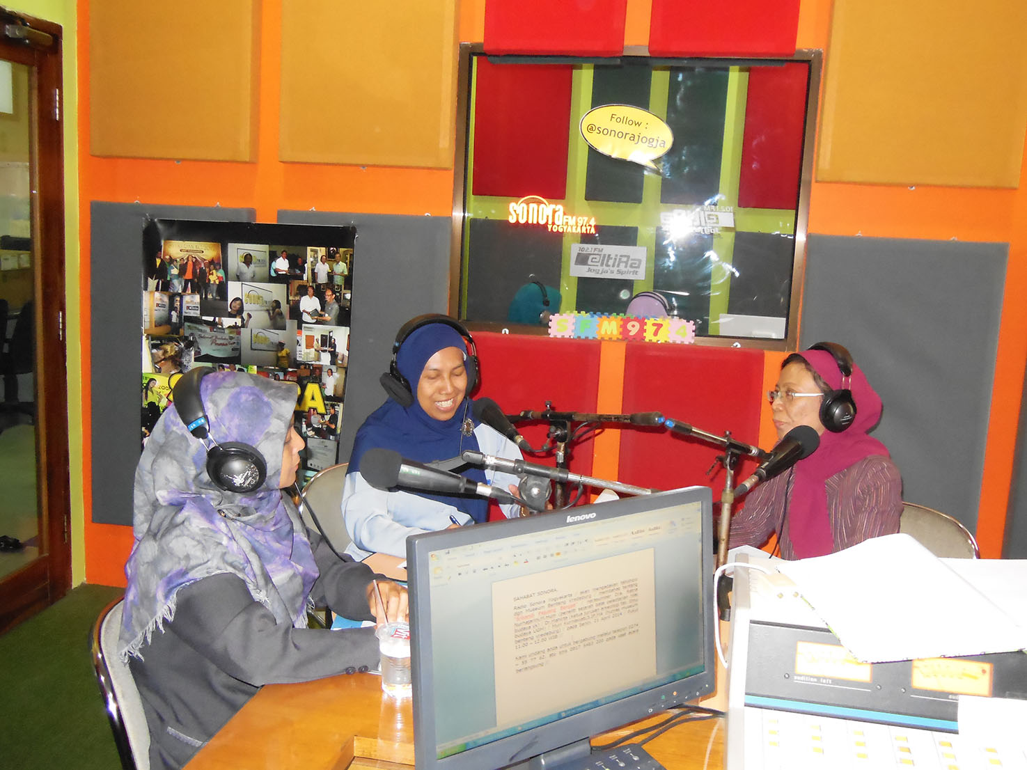 Radio-April-Kartini-14
